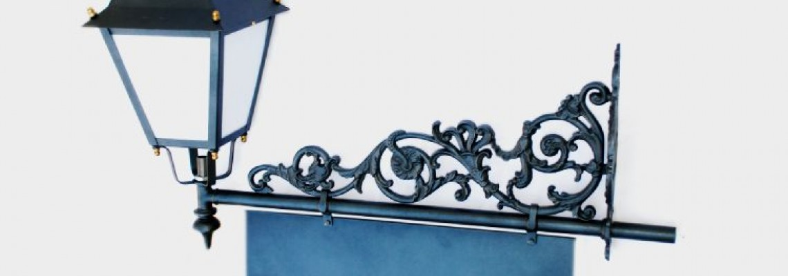 Custom Designs Using Wall Brackets