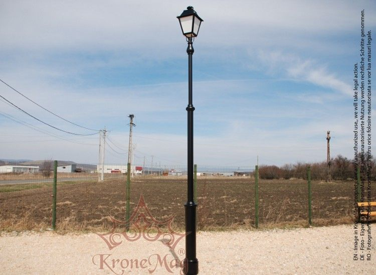 Cast iron lamp post 2pp mozeypictures Choice Image