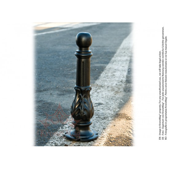 Cast Iron Street Bollards for Urban Spaces 950B