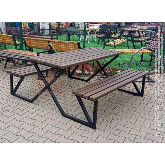 Metal Garden Bench and Table STUTTGART-OR